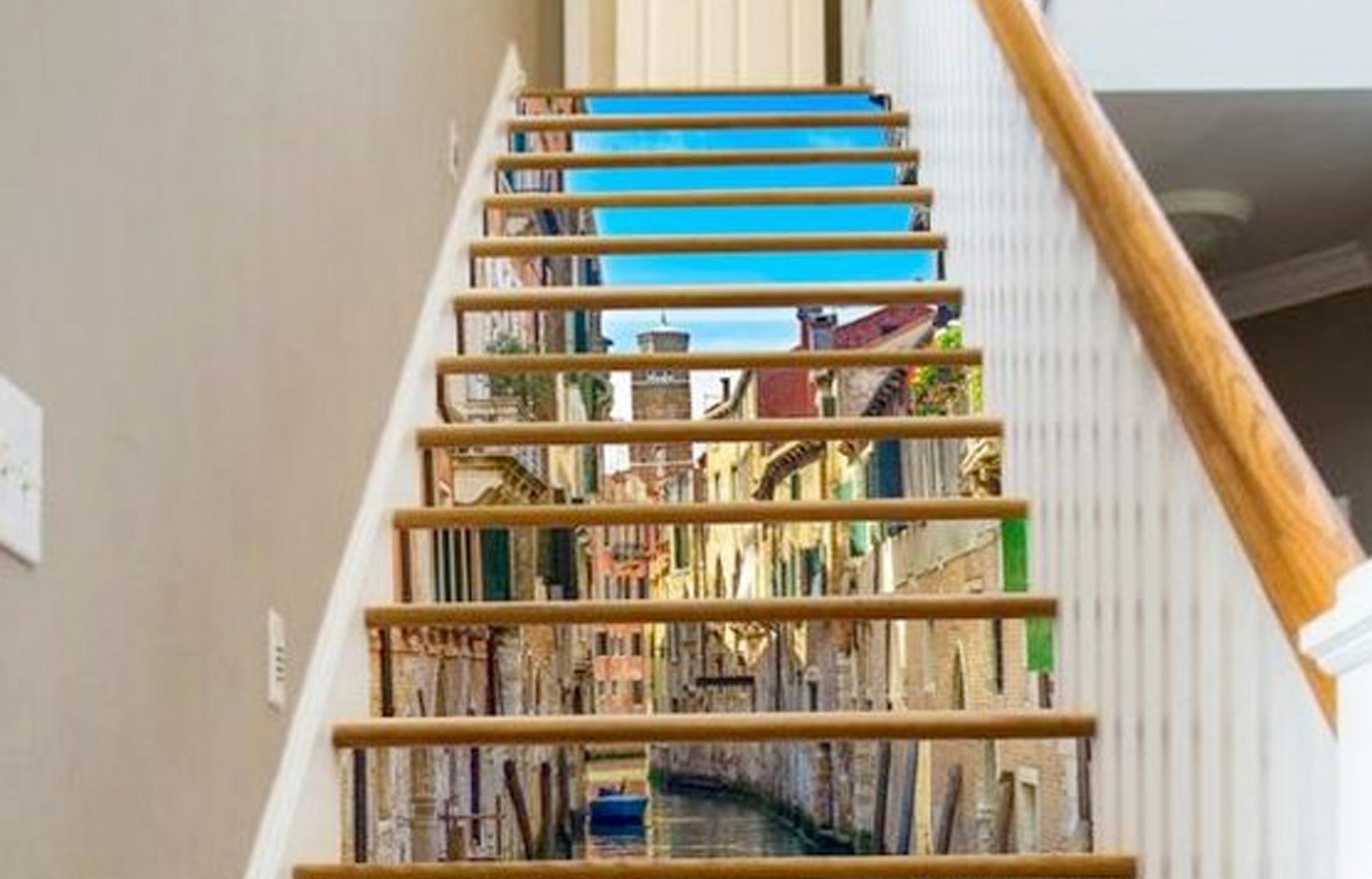 photo d'une peinture en trompe l'oeil sur un escalier